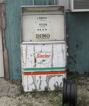 Dino Gas antique gas pump